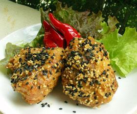 神山地鶏の胡麻香り揚げ