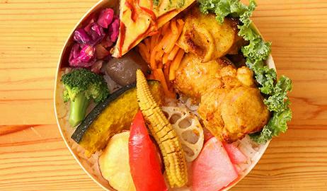 10種類野菜と<br />タンドリーチキン弁当イメージ画像