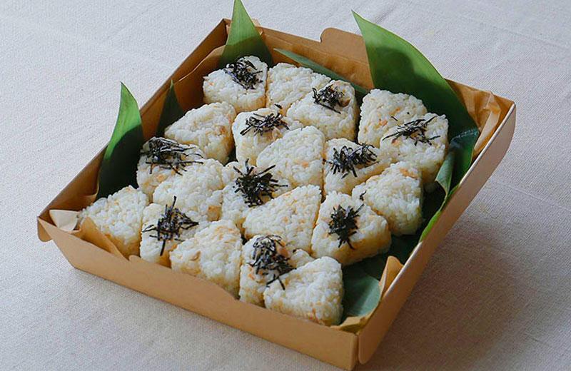 自家製鮭フレークと生姜の合鴨農法有機胚芽米おにぎり(M)