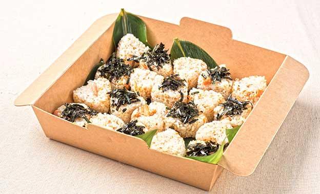 自家製鮭フレークと生姜の合鴨農法有機胚芽米おにぎり