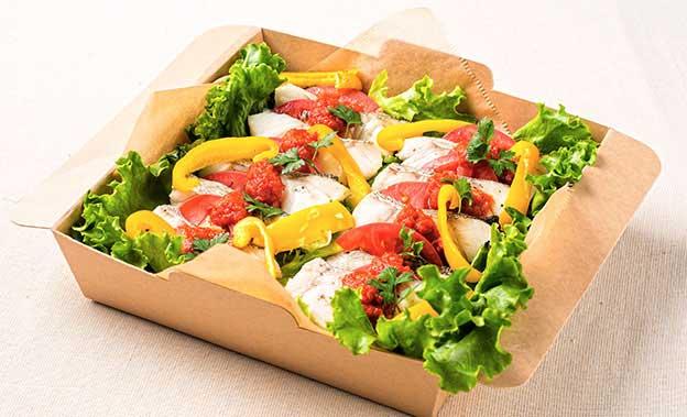 宮古港直送白身魚のオーブン焼き 自家製オーガニックトマトソース