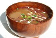 有機野菜と海藻の味噌汁